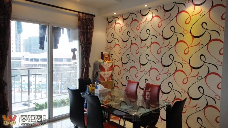 龙凤苑新装修跃层家具家电带楼顶花园 4室2厅2卫 128平米 6跃7 78万